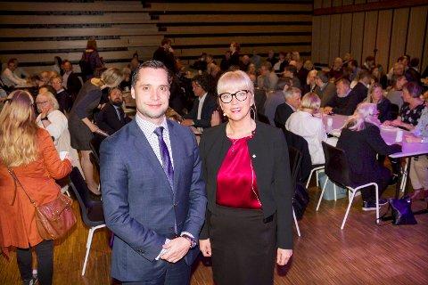 Danny Hayes, CEO i Harvester Trust i Bodø under Innovasjon Norges arrangement i Stormen 7. juni. Sammen med direktør Monica Ahyee i Innovasjon Norge Nordland.