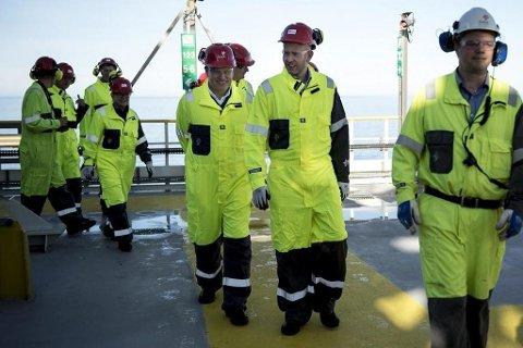Norsk oljebransje trenger 28.000 nye ansatte frem til 2018, ifølge ny rapport. Illustrasjonsfoto fra Troll A feltet utenfor Bergen i forbindelse med olje og gassindustriens 50 årsmarkering i 2016. Foto: Carina Johansen (NTB Scanpix)