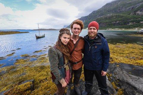 Eili Harboe, Vebjørn Enger og Mikkel Brænne Sandemose ved Mjelle.