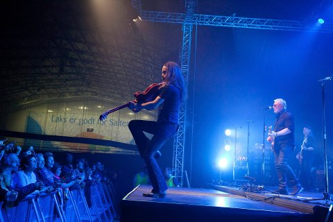 Åge og Sambandet på scenen i SKS Arena i april.