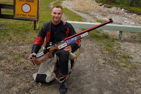 Vant: Gøran Helgesen gikk av med seieren under finalen av AN-skytinga lørdag 8. oktober. Foto: Privat