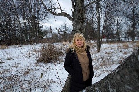 Administrerende direktør i Nobl, Mona Liss Paulsen mener at Nobl har tatt hensyn til bomiljø og ikke minst Breidablikk – den særegne villaen som er en del av Bodøs historie. Foto: Per Torbjørn Jystad