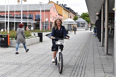 De elektriske bysyklene har i sommer hver og en blitt syklet en distanse lik Bodø-Trondheim.