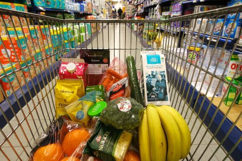 Tall fra SSB viser at matprisene gikk ned med 0,6 prosent fra august til september.