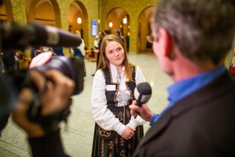 Jenny Myklebust er nominert til Årets Nordlending for sitt store engasjement og fordi hun har utmerket seg som ressurssterk, saklig og tydelig i kampen for å beholde studiestedene Nesna og Sandnessjøen.