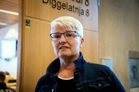 Begrunnelsen: Hele Norge følte med Ramona Lind da hennes 22 år gamle sønn Charlie Dan omkom etter en kollisjon med et vogntog i januar. Hun har blitt en sterk stemme for å innføre strengere regler på norske vinterveier.