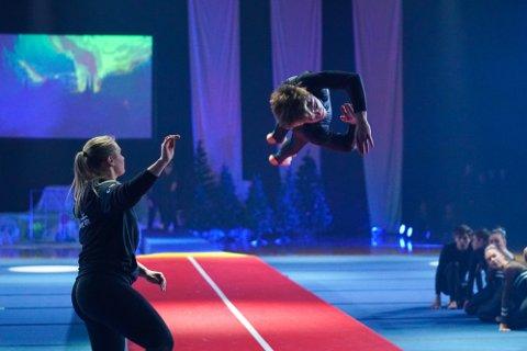 Fra et juleshow med Bodø Gym og Turn, som var en av foreningene som mottok støtte fra Avisa Nordland i fjor.