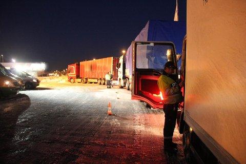 Illustrasjon, ikke omtalte vogntog. Politiet kontrollerer mange vogntog i disse dager. Foto: Politiet