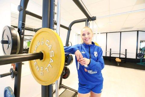 Styrke: I håndball er det lett å bli skadet, derfor trener Victoria også en god del skadeforebyggende trening.