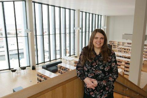 Leder av Stormen bibliotek Trud Berg.