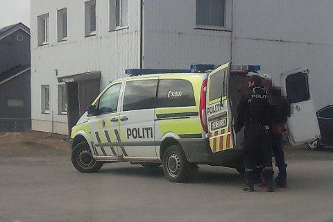 PÅGREPET: Her har politiet pågrepet minst en person.