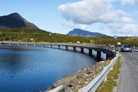 Må vekk: Tilstanden på den laveste av Engeløybruene er så dårlig at den snarest må erstattes av en ny bru.