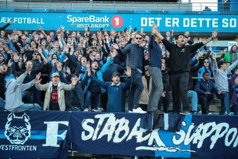 Stabækfansen jubler, men liten grunn til å juble for den samme fansens samehets. Foto: Ruud, Vidar