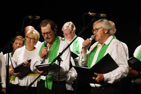 Solister: Flere avkormedlemmene opptrådte som solister under konserten. De kom alle godt fra oppgavene sine.