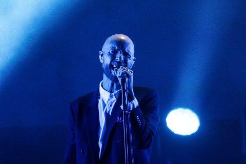 Madrugada opptrådte under Parkenfestivalen fredag kveld. Lørdag ettermiddag ble han innlagt på et sykehus i Oslo etter brystsmerter.