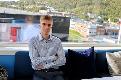 Student ved Nord Universitet, Jens-Martin, mener det er viktig å kildesortere. Foto: Grete Elisabeth Nomeland