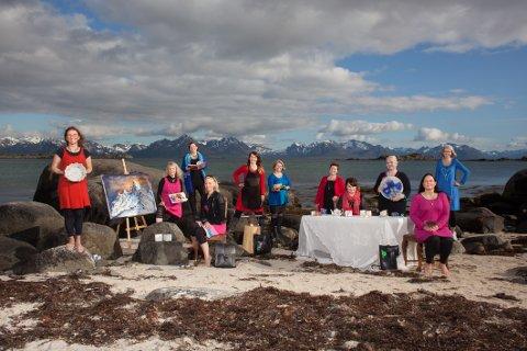 Fra havet: Disse kvinnene kommer fra havet. Søndag inntar de Hamarøy Bygdetun på Oppeid med sine produkter.