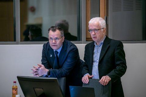 De rettspsykiatrisk sakkyndige, overlege Erling Bugge og psykolog Knut Waterloo.