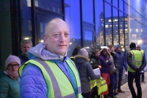 OPPRØR: Oddbjørn Olsen har vært med på flere demonstrasjoner mot prisveksten på ferger.