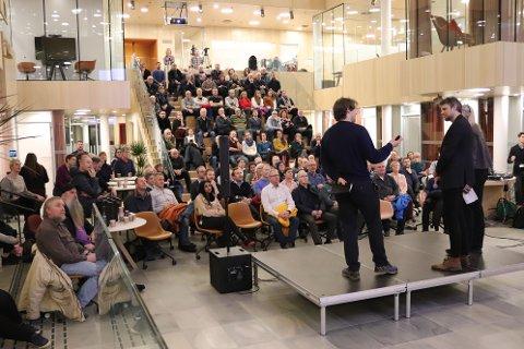 Det var godt oppmøte i Råhduset tirsdag kveld da Arkitektteamene la frem sine tanker rundt ny bydel i Bodø.