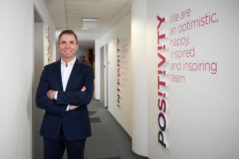 Wizz Air-sjef József Váradi slår tilbake etter Erna Solbergs oppfordring til boikott.