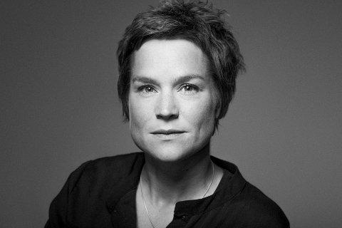 """Domkantor Gro Bergrabb får en framtredende rolle under orgelfestivalen, som starter onsdag. Hun skal framføre bestillingsverket """"The seven virtues"""" av Håvard Lund. I tillegg skal hun være dirigent når Schnittkes requim skal framføres."""