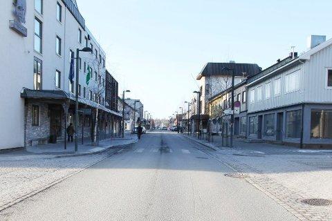 Storgata i Fauske sentrum blir stengt noen timer denne søndagen. Foto: Arkiv