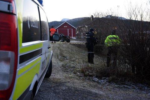 En mann i 40-årene omkom i en ATV-ulykke i Sørfold.