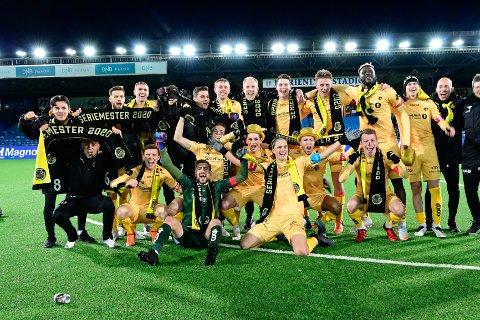 """Det har vært mye å juble for denne sesongen for Bodø/Glimt. Nå kan de også juble for å bli kåret til """"Årets Nordlending"""". Lørdag får de gullmedaljene i eliteserien. Foto: Kent Even Grundstad"""