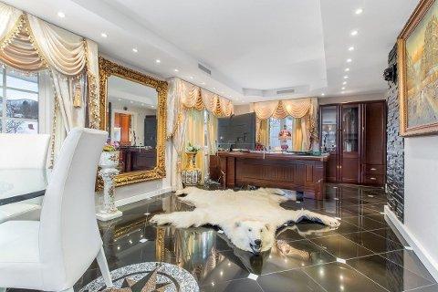 Boligen på Persaunet kan kjøpes for 16,5 millioner kroner.