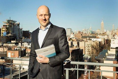 Lars Erlend Bye avbildet i New York, hvor et av kontorene hans ligger. Foto: H5 Property / H5 Photo