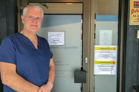 Per Allan Stenberg på Tverlandet legesenter har tatt koronagrep.