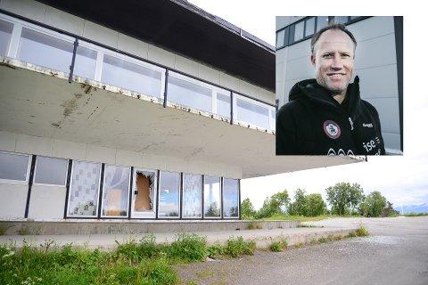 Runar Berg lover at eierne av Turisthytta gjør det de kan for å holde vandaler ute.