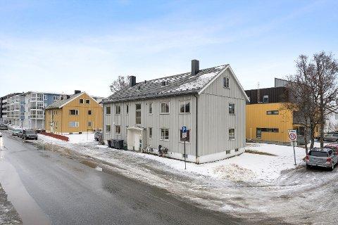 Solgt: Mange ønsket å se på det gamle leilighetsbygget som tilhører Nordlandssykehuset. Nå er det solgt.
