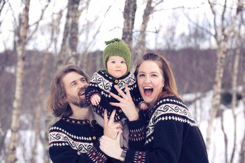 GODE MINNER: Avdøde Håvard Svendsen (t.v.), datteren Signe og Lena Allstrin sammen for noen år siden. Bildet er gjengitt med tillatelse fra familien.