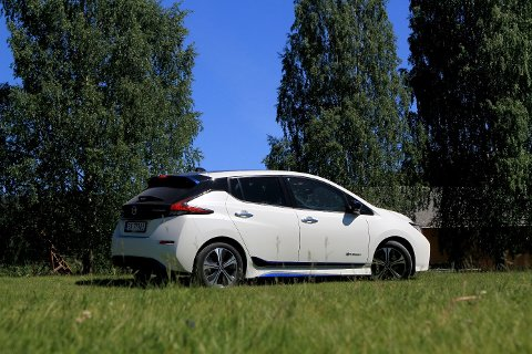 Nissan LEAF var mest solgte nye elbil i Nordland første halvår av 2020 (foto: Norsk elbilforening).