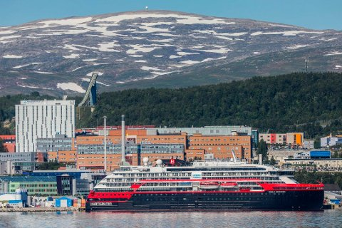 I TROMSØ: Hurtigruten-skipet MS Roald Amundsen .