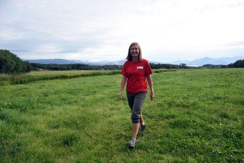 Vera Isachsen (49) dro på mannejakt. Nå har flere meldt seg. - Jeg er veldig fornøyd, sier hun. Foto: Christian A. Unosen