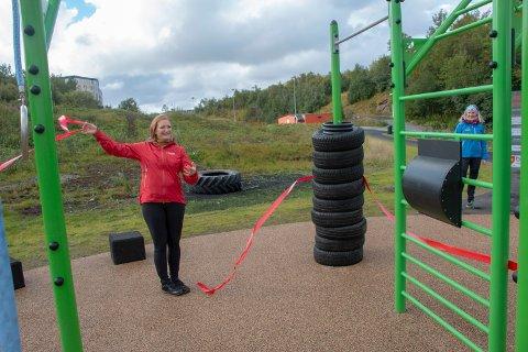 Ordfører Ida Pinnerød åpnet Mørkvedlia treningspark onsdag.