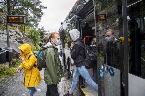 Det er ikke bekreftet noen tilfeller av smitte på kollektivtrafikk i Bergen.