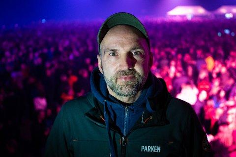 - Jeg satser på at vaksinen skal fungere og at årets Parkenfestival kan arrangeres som normalt, sier Gøran Aamodt. Foto: Fredrik Stenbro