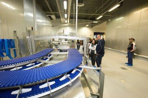 Fra åpningen av Salten Salmon i Bodø i 2019. Totalt sysselsetter sjømatnæringa i Bodø over 800 personer direkte og indirekte.