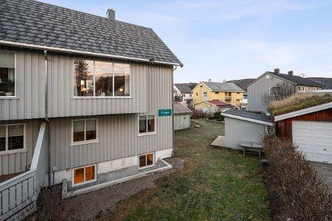 Denne boligen, sentralt i Rønvik, gikk godt over prisantydningen.