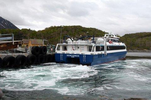 Avgjørende: Ordfører Britt Kristoffersen mener muligheten for igjen å kunne sende større gods med hurtigbåt til og fra Skutvik er av avgjørende betydning for deler av næringslivet i Hamarøy.