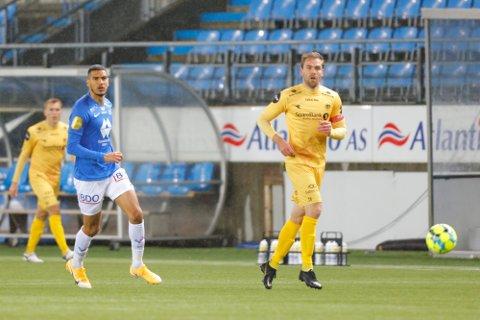 Moldes Ohi Omoijuanfo (tv) og Brede Moe under eliteseriekampen i fotball mellom Molde og Bodø/Glimt på Aker Stadion.
