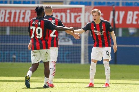 Jens Petter Hauge feirer scoringen sin for Milan mot Sampdoria tidligere denne sesongen.