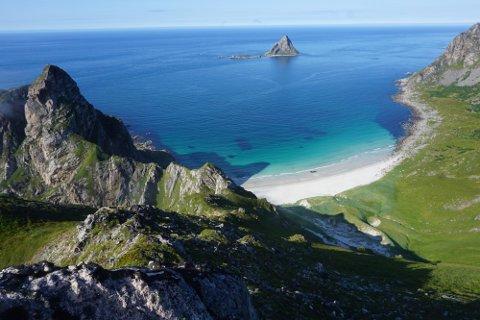 Ny satsing: Denne typen utsikt er det flere steder i Nordland, og nå håpes det at turmålene skal gjøre fylket mer attraktivt. Her ser vi utsikten fra Måtinden på Andøya.
