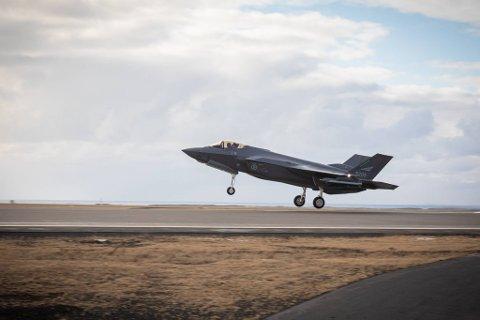 F-35 deltar for første gang under øvelsen.
