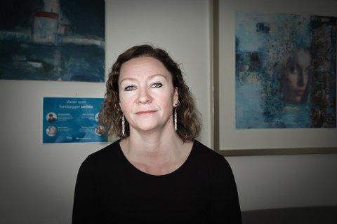 Daglig leder Wanja Sæther tror at koronasituasjonen har medvirket til at flere av Krisesenterets brukere flytter tilbake til voldsutøver.