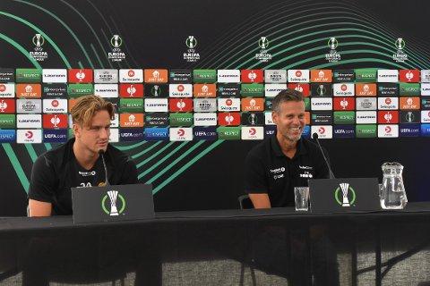 Gleder seg: Erik Botheim og Kjetil Knutsen møtte pressen på Aspmyra onsdag i forkant av torsdagens Conference League-kamp mot Zorya Luhansk.